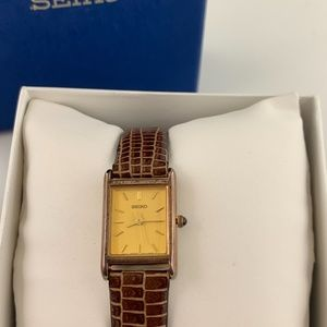 VINTAGE NWT Seiko Brown Leather Ladies Watch